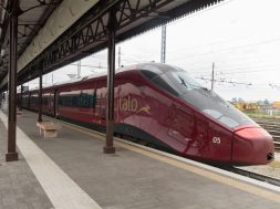 Italo_Treno_number_9990_at_Verona_Porta_Nuova_train_station_2